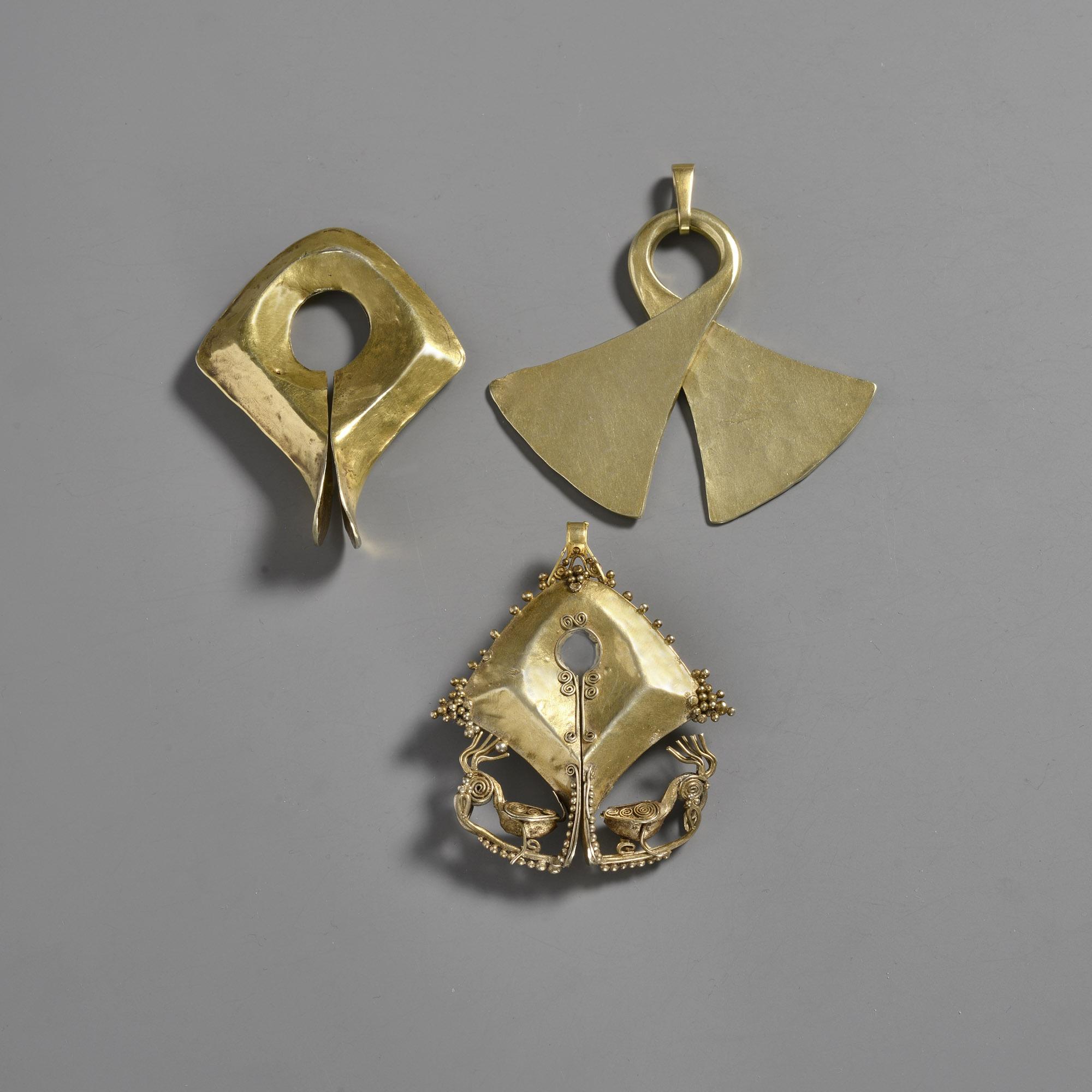 Flores Pendant (Taka) & Sumba Ear Ornaments (Mamula)